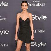 Selena Gomez surpreende com salto em forma de laranja em premiação. Fotos!