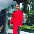 Angélica mostrou seu look na web: um vestido Stella McCartney