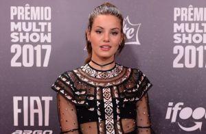 bfa704f6e Camila Queiroz deixa hot pants à mostra em look ousado   Não tô acostumada