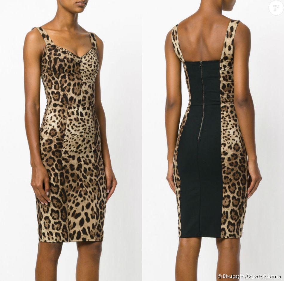 52edf7d62 Vestido acinturado com animal print de Anitta é da grife Dolce & Gabanna