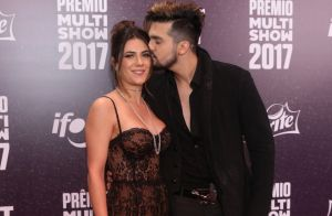 Luan Santana diz que namorada não teve ciúme de beijo em Tatá Werneck: 'Entende'