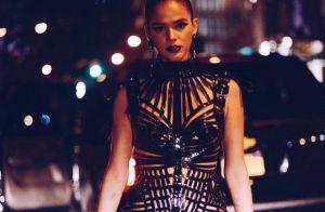 Bruna Marquezine usa look ousado em outra festa de Halloween em NY. Veja fotos!