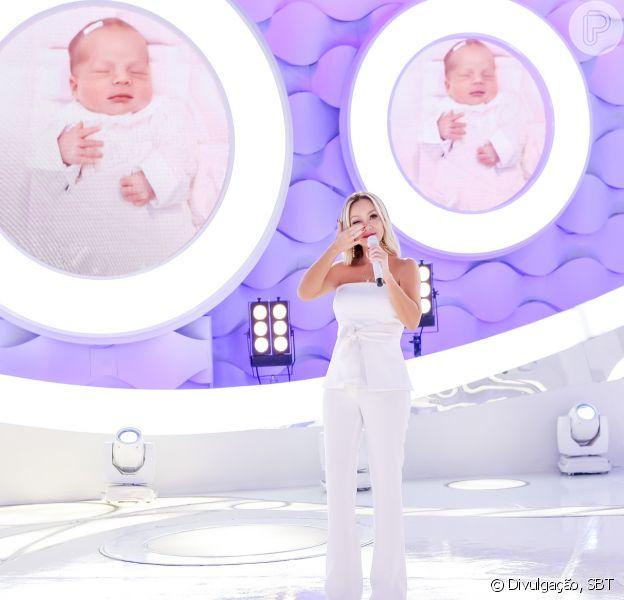 Eliana comemorou o retorno ao seu programa do SBT com uma foto fofa com a filha, Manuela, no Instagram. Veja abaixo!