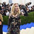 'Humor de domingo', escreveu Madonna na legenda do vídeo das filhas