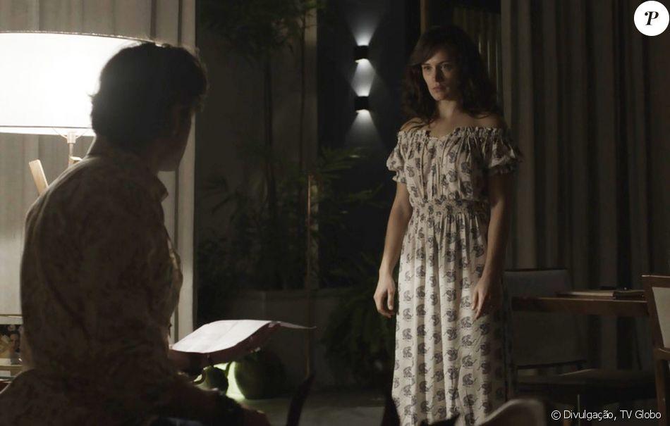 Grávida, Clara (Bianca Bin) é agredida por Gael (Sergio Guizé), que quebra uma cadeira em suas pernas, no capítulo que vai ao ar na próxima quarta-feria, dia 8 de novembro de 2017, na novela 'O Outro Lado do Paraíso'