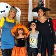 Ticiane Pinheiro e a filha posaram ao lado de Suzana Gullo, mulher de Marcos Mion e de Donatella, filha do casal