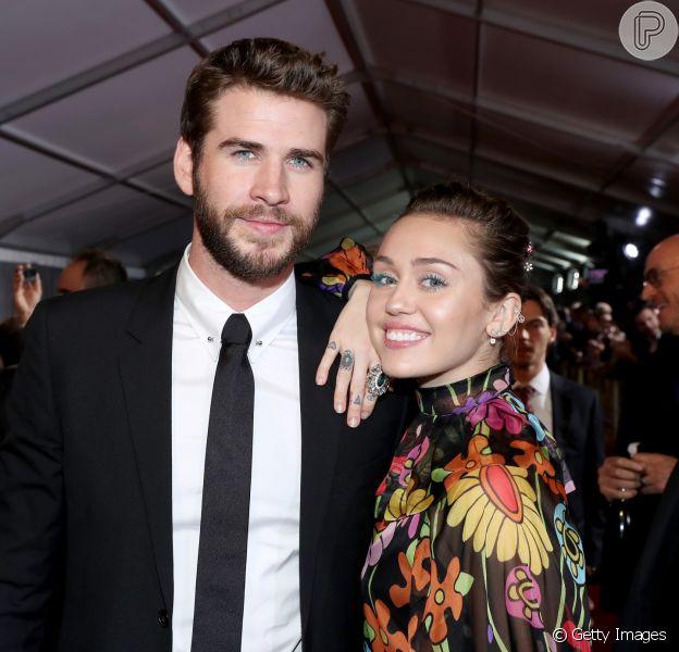 Miley Cyrus e Liam Hemsworth se casaram em segredo há seis meses atrás em Malibu, nos Estados Unidos