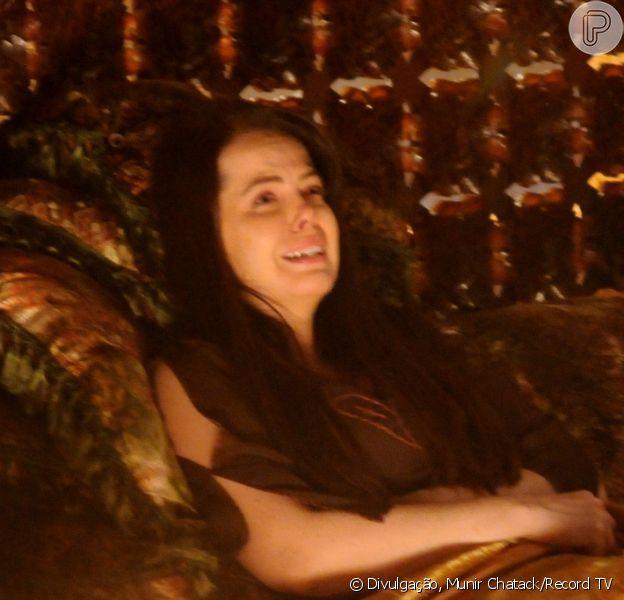 Malca (Mariza Marchetti) dá à luz, mas o filho nasce morto, na última semana da novela 'O Rico e Lázaro'