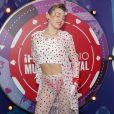 A calcinha vermelha de Miley Cyrus combinava com os acessórios e os corações que estampavam o conjunto da cantora no festival
