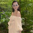 O vestido de Bruna Marquezine, da Riachuelo, custa     R$ 369,90