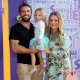 Mariana Bridi, mulher de Rafael Cardoso, mostrou a barriga de gravidez do segundo filho em vídeo