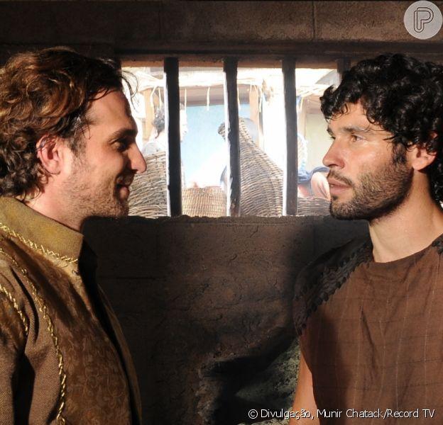 Final da novela 'O Rico e Lázaro' tem Asher (Dudu Azevedo) tentando evitar que Zac (Igor Rickli) vá para o inferno, adianta Paula Richard, autora da trama, ao Purepeople