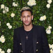Neymar faz cara de triste ao segurar vela de Whindersson Nunes e Luisa Sonza