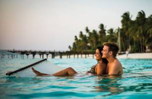 Michel Teló e Thais Fersoza se casam nas Ilhas Maldivas em cerimônia discreta