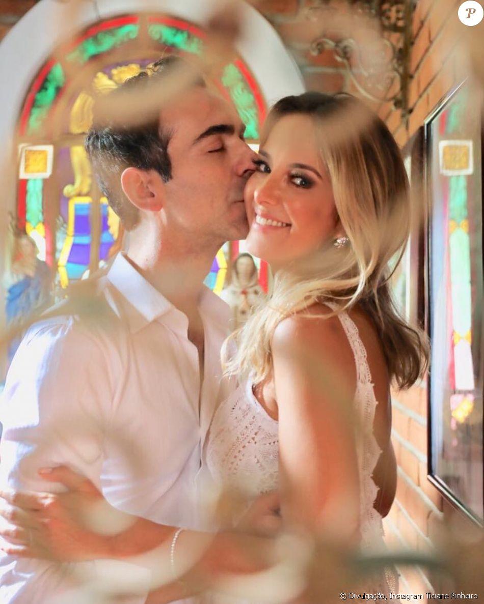 Casamento no civil de Ticiane Pinheiro e Cesar Tralli foi no segredo e aconteceu no final de semana, segundo o colunista Ricardo Feltrin, nesta terça-feira, 14 de novembro de 2017
