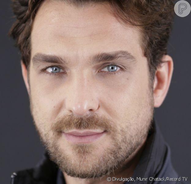 Benjamin (Pedrinho Melo/Igor Rickli) é o gênio da informática. Vai se casar com Zoe (Gabriella Saraivah/Juliana Knust) e sofrer com a morte da avó, Lia (Lucinha Lins), na novela 'Apocalipse'