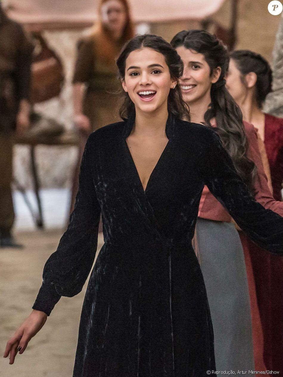 Bruna Marquezine revelou referência para a novela 'Deus Salve o Rei': ' Eu sou viciada em Game of Thrones, muito apaixonada'