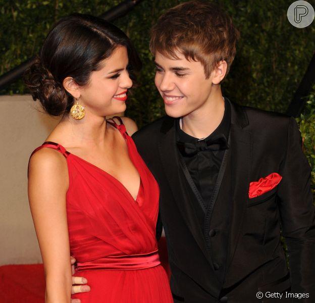 Selena Gomez é vista caminhando com Justin Bieber em parque de Los Angeles