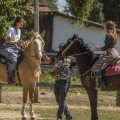 Bruna Marquezine e Marina Ruy Barbosa praticam hipismo para 'Deus Salve o Rei'
