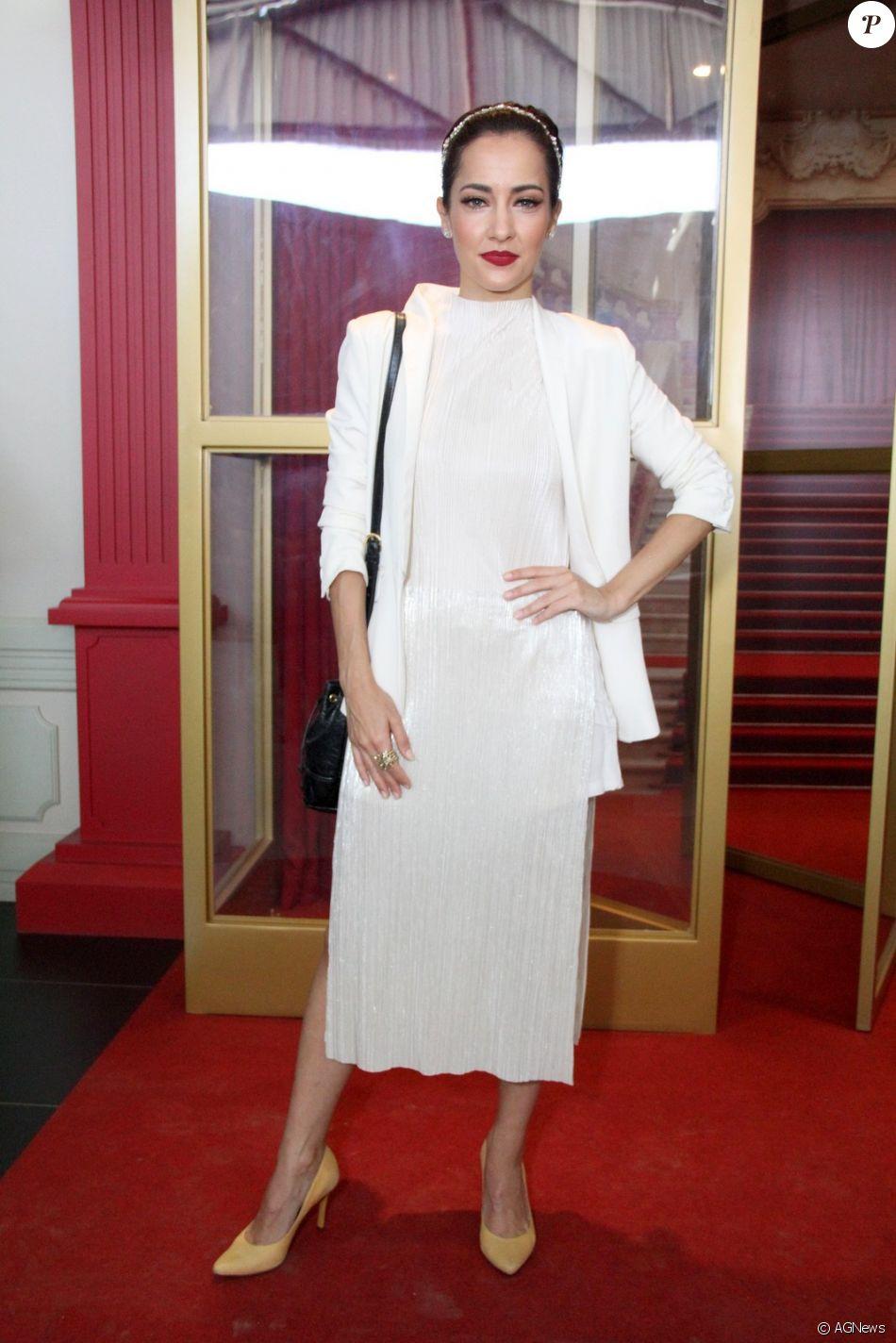 fa94b3307 Maitê Piragibe, no lançamento da novela 'Apocalipse', escolheu um look midi  total white