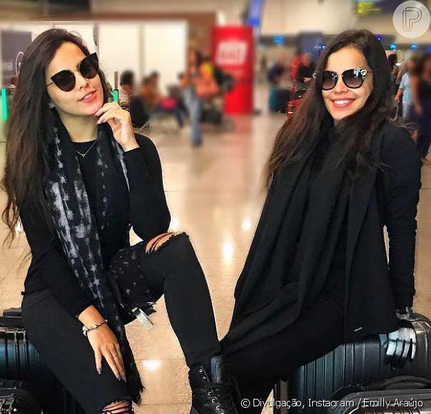 Emilly Araújo embarcou em primeira viagem internacional com a irmã gêmea, Mayla Araújo, nesta quinta-feira, dia 16 de novembro de 2017