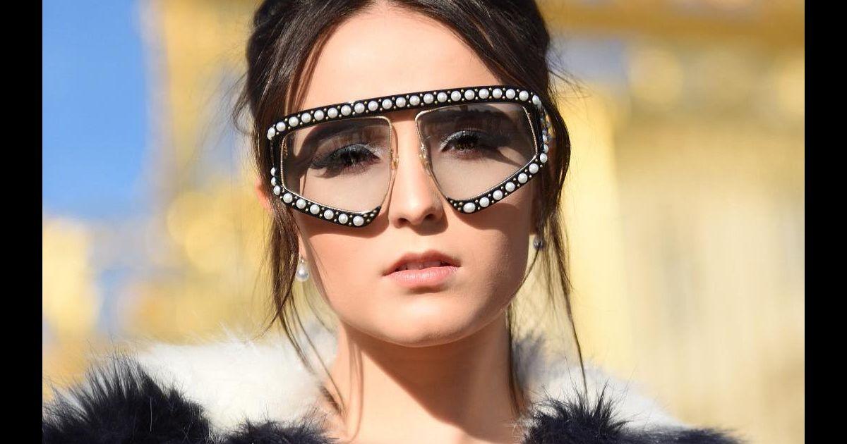 a77ba7e10f892 Larissa Manoela repete óculos usados por Bruna Marquezine e ironiza após  piada   Metalúrgica  - Purepeople