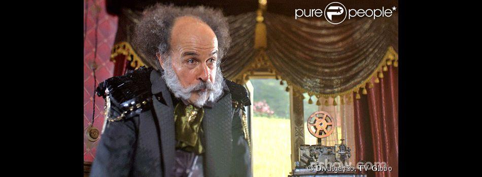 Epa (Osmar Prado) quer que Nando (Johnny Massaro) se torne prefeito e pede ajuda a Pedro Falcão (Rodrigo Lombardi) para convencê-lo, em 'Meu Pedacinho de Chão'