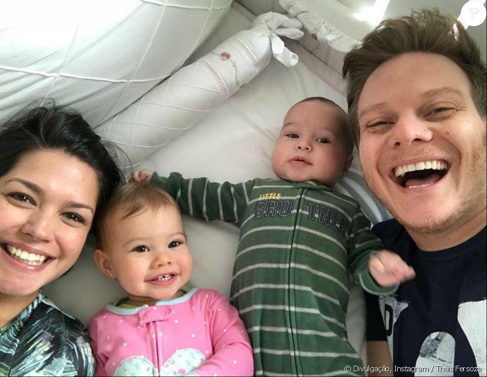 Thais Fersoza e Michel Teló publicaram uma foto em família nesta sexta-feira, 17 de novembro de 2017