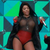 Ludmilla deixa os seios à mostra em look ousado para show, no Rio de Janeiro