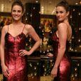 Priscila Steinman investiu em vestido vermelho de lantejoulas da marca Martu