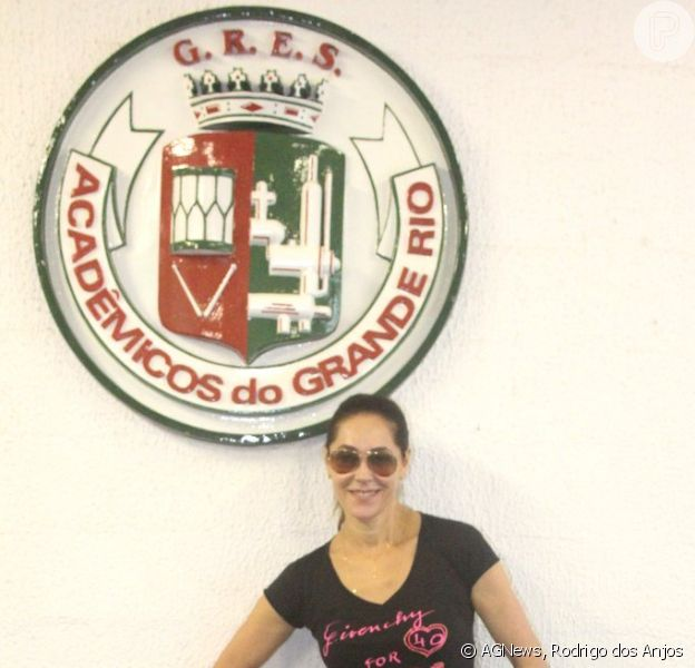 Christiane Torloni visita barracão da escola de samba Grande Rio, no Centro do Rio, em 28 de janeiro de 2013