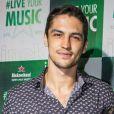 Gabriel Leone vai interpretar o empresário e paleontólogo Hermano em 'Onde Nascem os Fortes'