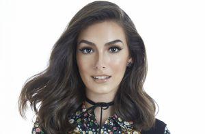 Marina Moschen elege peças-chave em closet   Jeans, camiseta e vestidos  fluidos  abca807123