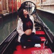 Grávida, Debora Nascimento deixa barriga de 5 meses à mostra em Veneza