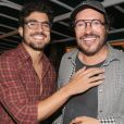 Caio Castro foi fotografado com o diretor Wolf Maya no Búzios Cine Festival