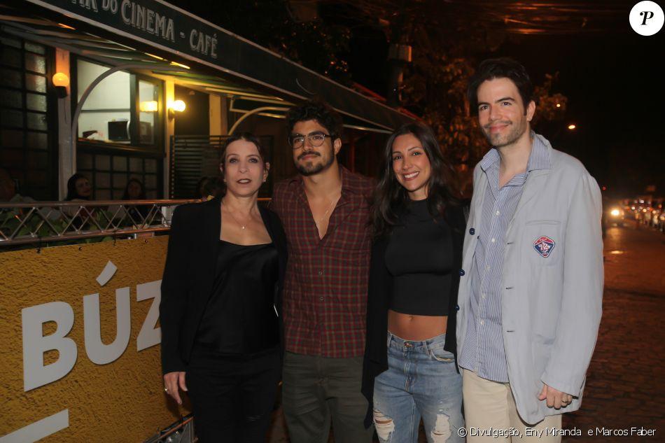 Caio Castro foi visto pela primeira vez com a namorada, Mariana, ao lado dos promoters Liége Monteiro e Luiz Fernando Coutinho no Búzios Cine Festival