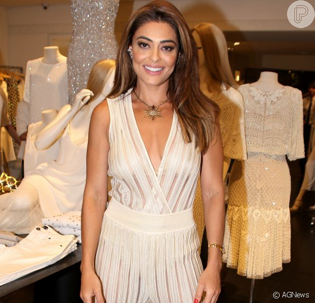 Meghan Markle elege tuxedo dress da Givenchy com sapato