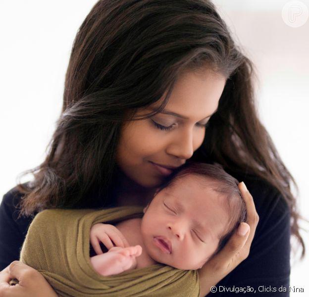Aline Dias festeja primeiro mês do filho, Bernardo: 'Descobri minha felicidade'