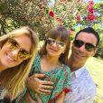 Rafaella Justus posa com Cesar Tralli e Ticiane Pinheiro