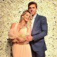 Karina Bacchi expôs todo seu romantismo e fez uma declaração de amor para o namorado, Amaury Nunes, neste domingo, 3 de dezembro de 2017