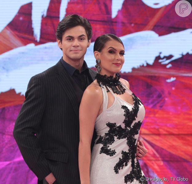 Lucas Veloso pede Natália Melo em namoro no 'Dança dos Famosos', em 2 de dezembro de 2017