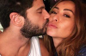 Sabrina Sato admite ter feito sexo em local público e beijado mulheres