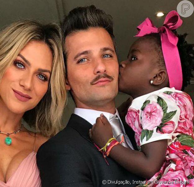 Assessoria de Giovanna Ewbank nega ao Purepeople, nesta quarta-feira, 6 de dezembro de 2017, que Títi fará reality ao lado dos pais, Bruno Gagliasso e Giovanna Ewbank