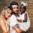 Giovanna Ewbank comentou o ataque racista à filha, Títi: 'A gente se sente meio que correndo contra o tempo para conseguir as ferramentas para criar a nossa filha negra num país racista