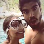 Caio Castro e a namorada, Mariana d'Ávila, curtem mergulho em litoral do Rio