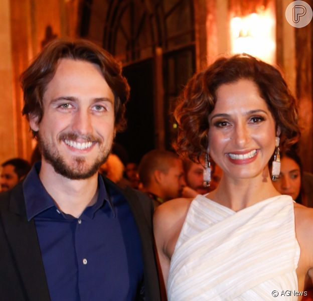 Camila Pitanga e Igor Angelkorte terminaram namoro de pouco mais de dois anos. Informação do jornal 'Extra' foi confirmada por fonte do Purepeople, nesta quarta-feira, 6 de dezembro de 2017