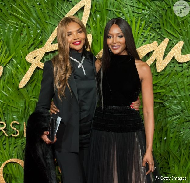 Valerie Morris-Campbell, mãe de Naomi Campbell, chama atenção por beleza em evento de moda