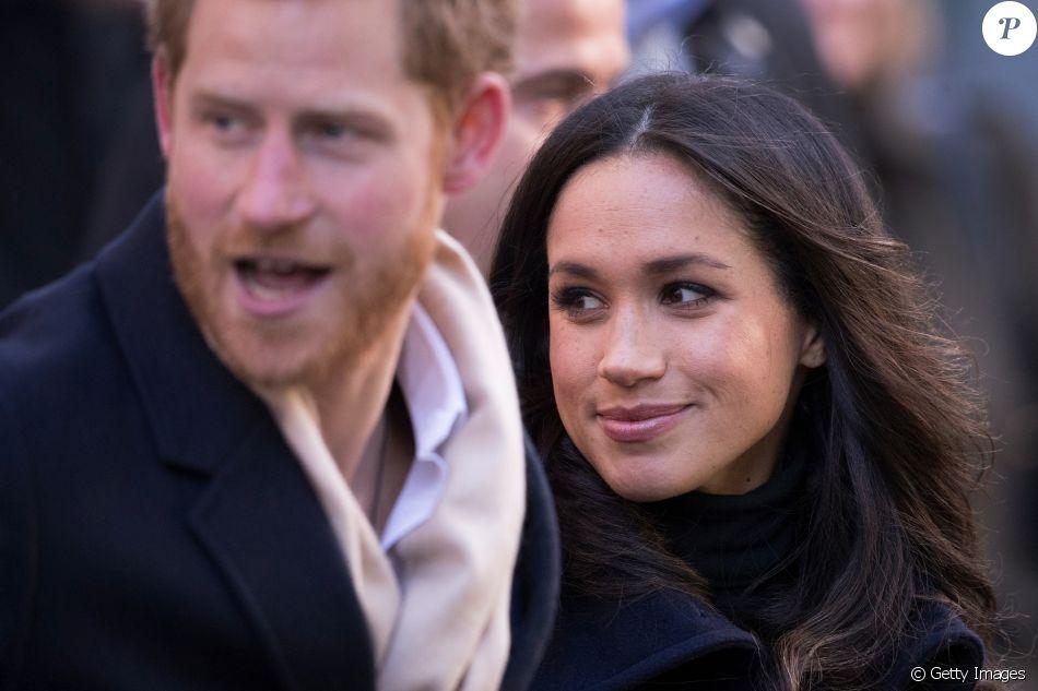 Príncipe Harry e noiva, Meghan Markle, contaram que lidam com distância por telefone