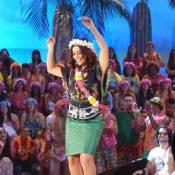 Juliana Paes solta os quadris e dança em programa de TV: 'Melhor coisa do mundo'