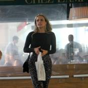 De folga, Juliana Silveira e Louise D'Tuani passeiam no shopping com empresária